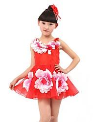 Les fleurs de fille belle robe de danse
