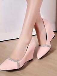 bombea los zapatos de las mujeres en punta tacón de cuña del dedo del pie con zapatos brillo espumosos más colores disponibles