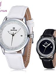 Mulheres Relógio de Moda Quartzo Japonês Couro Banda Brilhante Preta / Branco / Vermelho / Marrom marca- SKONE