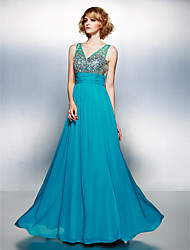 TS Couture® Formal Evening Dress Plus Size / Petite A-line V-neck Floor-length Chiffon with Beading / Crystal Detailing / Ruching / Sequins