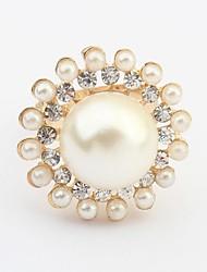 Women's Luxurious Pearls Rhinestone Beaded Round Statement Ring
