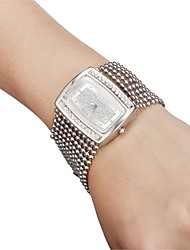 Women's Keychain New Classic Fashion Gold Diamond Case Watch Japanese Quartz Analog Charm Designs Cool Watches Unique Watches