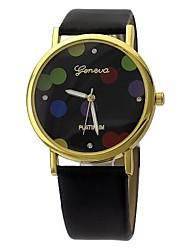 Women's Fashion Wave Pattern Design Circular Dial PU Leather Strap Quartz Movement Wrist Watches (Assorted Colors)
