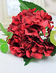 hortensias rouges avec des fleurs artificielles bourgeon set 2