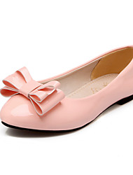 Women's Shoes Patent Leather Flat Heel Round Toe Flats Outdoor / Dress / Casual Black / Green / Pink / Beige