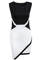Assimétrico - Vestido - Sarja/Tricô/Elástico - Sem Forro