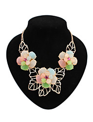 Small pure and fresh and sweet flowers necklace