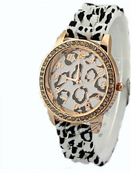 caoutchouc de diamant léopard des montres de la bande de femmes