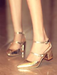 Women's Shoes  Kitten Heel Pointed Toe Pumps/Heels Office & Career/Dress Black/Silver/Gold
