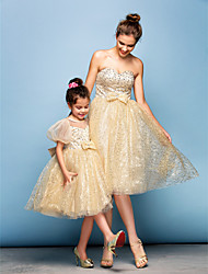 Cocktail Party Dress Plus Size / Petite Ball Gown Sweetheart Knee-length Sequined with Beading / Bow(s) / Sequins