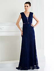 TS Couture® Formal Evening Dress - Dark Navy / Ivory A-line V-neck Sweep/Brush Train Lace