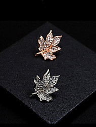 Maple Leaf Brooch (1Pc)