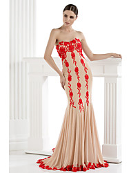 TS Couture® Formal Evening Dress Plus Size / Petite Trumpet / Mermaid Strapless Sweep / Brush Train Tulle with Appliques