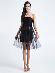 Knee-length Tulle Bridesmaid Dress A-line / Sheath / Column Strapless Plus Size / Petite with Criss Cross