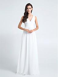 Lanting Bride® Floor-length Chiffon Bridesmaid Dress - Sheath / Column V-neck Plus Size / Petite with