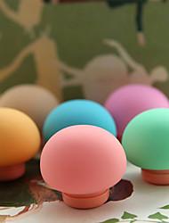 en forme de champignon cas de stockage de l'écouteur avec chargeur usb (couleur aléatoire)