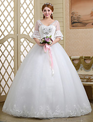 Ball Gown Wedding Dress - White Floor-length V-neck Lace/Tulle
