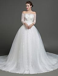 Ball Gown Wedding Dress Chapel Train Off-the-shoulder Lace / Tulle with Appliques / Criss-Cross / Crystal / Flower