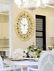 Modern Simple And Creative Fashion Metal Mute Wall Clock