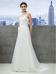 Lanting Bride® Sheath / Column Petite / Plus Sizes Wedding Dress Sweep / Brush Train Sweetheart Tulle with