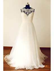 A-line Plus Sizes / Petite Wedding Dress Lacy Looks Sweep / Brush Train Scalloped-Edge Lace / Tulle with Button / Lace / Sash / Ribbon