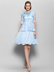 Lanting Bride® A-line Mother of the Bride Dress Knee-length Half Sleeve Chiffon / Lace with Buttons