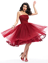 Knee-length Lace / Tulle Bridesmaid Dress - Burgundy A-line Bateau