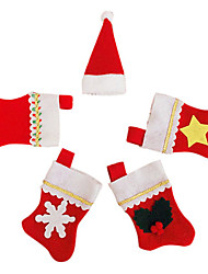 5 Santa Socks in Knife Fork Cloth Cover for Christmas Dinner Table Party Decoration(1 Set)