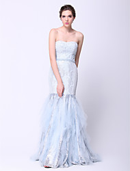 Formal Evening Dress - Sky Blue Plus Sizes / Petite Fit & Flare Strapless Sweep/Brush Train Lace / Tulle