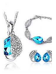 High Quality Crystal Leaves Pendant Jewelry Set Necklace Earring (Random Plated Color)