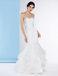 Fit & Flare Wedding Dress-Sweep/Brush Train Strapless Organza / Satin