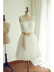 Knee-length Tulle Bridesmaid Dress - Ivory A-line V-neck