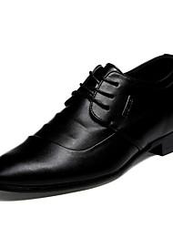 Sapatos Masculinos Oxfords Preto Couro Envernizado Casamento / Escritório & Trabalho / Casual