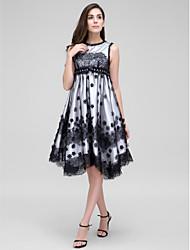 ts couture® coquetel vestir uma linha de jóias assimétrica Renda / Tule com cristal detalhando / flor (s) / rendas
