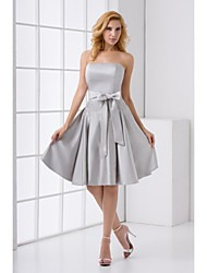 Knee-length Stretch Satin Bridesmaid Dress A-line Strapless
