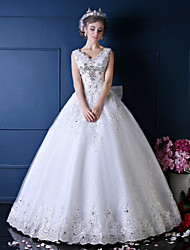 Princess Wedding Dress Floor-length V-neck Lace / Tulle with Beading / Bow / Crystal / Lace / Pattern