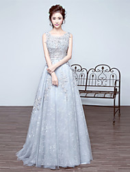 Formal Evening Dress A-line Scoop Court Train Lace with Appliques / Beading
