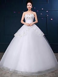 Ball Gown Wedding Dress Floor-length Strapless Lace / Tulle with Lace / Sequin