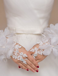 Wrist Length Fingerless Glove Lace Bridal Gloves / Party/ Evening Gloves