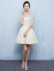 Short/Mini Lace Bridesmaid Dress-Champagne A-line Jewel
