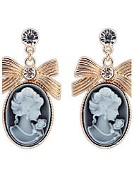 Top Fashion Lady Retro Palace Elegant Women Face Oval White Rhinestone Alloy Dangle Drop Earrings