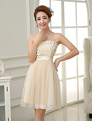 Knee-length Satin / Tulle Bridesmaid Dress A-line Strapless