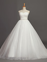 Ball Gown Wedding Dress Chapel Train Sweetheart Tulle with Beading / Button / Criss-Cross