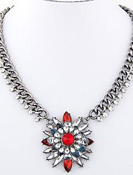 Women's European Style Fashion Metal Shining Gemstone Short Necklace
