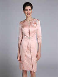 Lanting Bride® Sheath / Column Mother of the Bride Dress Knee-length 3/4 Length Sleeve Satin with Appliques / Flower(s) / Crystal Brooch