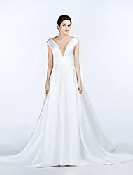 2017, uma linha de cetim trem capela vestido de noiva com decote em v com bolso
