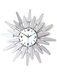 Rond / Nouveauté Moderne/Contemporain Horloge murale,Fleurs / Botaniques / Inspiré / Dessin animé Acrylique / Verre / Métal68cm x
