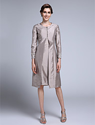 LAN TING BRIDE Sheath / Column Mother of the Bride Dress - Convertible Dress Knee-length Long Sleeve Taffeta with Appliques