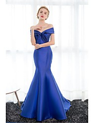 Formal Evening Dress Trumpet / Mermaid Off-the-shoulder Court Train Satin with Draping