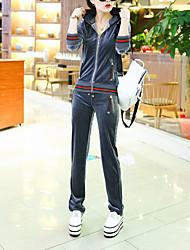 Femme Velours Activewear Set Grandes Tailles Décontracté/Quotidien simple Couleur Pleine Micro-élastique Rayonne Manches Longues Automne